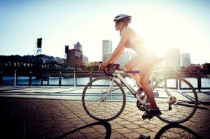 tác dụng của việc đạp xe đạp buổi sáng